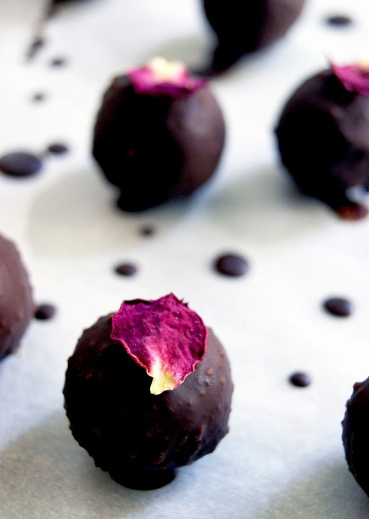 Healthy Marzipan + Raw Chocolate (Vegan, Sugar-free)