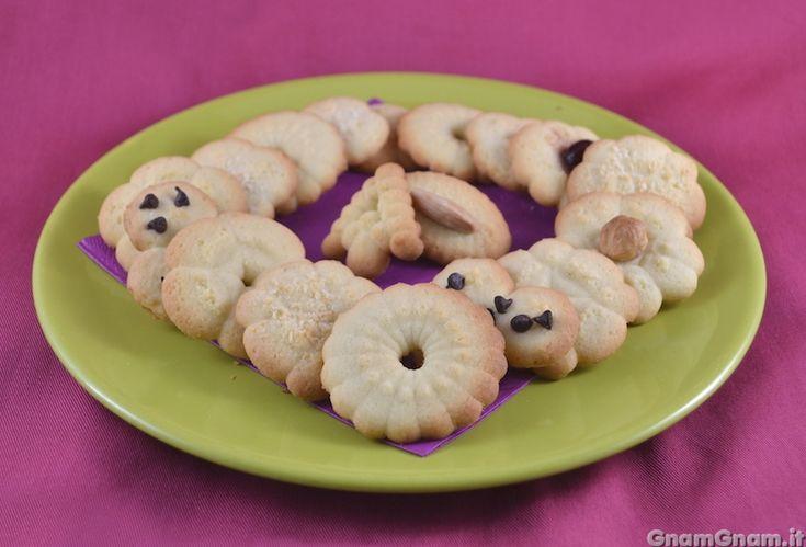 Scopri la ricetta di: Biscotti con sparabiscotti