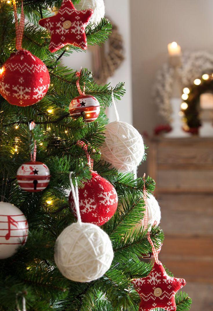 Tres estilos de Navidad en el salón. ¿Cuál es el tuyo? · ElMueble.com · Salones