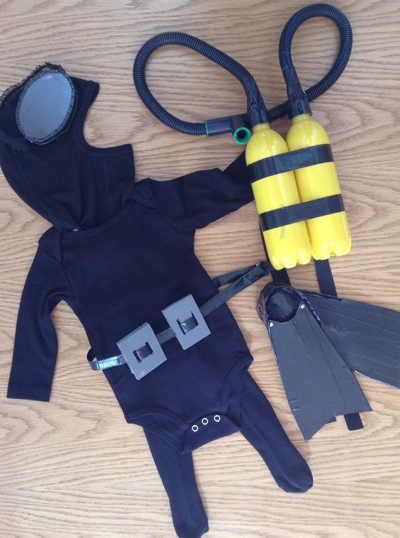The tiniest Scuba Diver you ever did see ;) this was so much fun to DIY this Halloween costume... Tutorial coming soon at xoamelia.com: