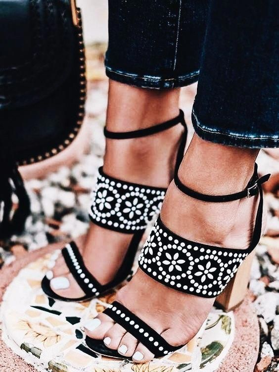 Pin by Just Being Amelia on Shoes   Me too shoes, Summer