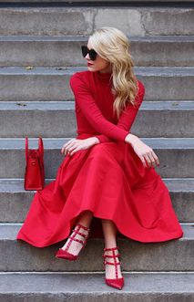Blair Eadie's red on red, fifties inspired outfit. Retro Inspired Streetstyle