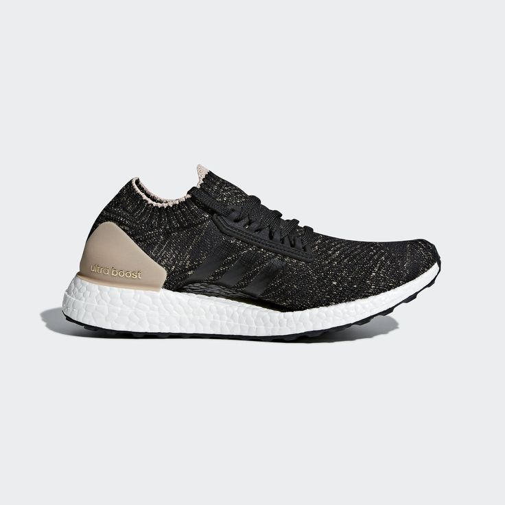 Chase after greatness in these women's running shoes. Designed for a  flexible ride, these