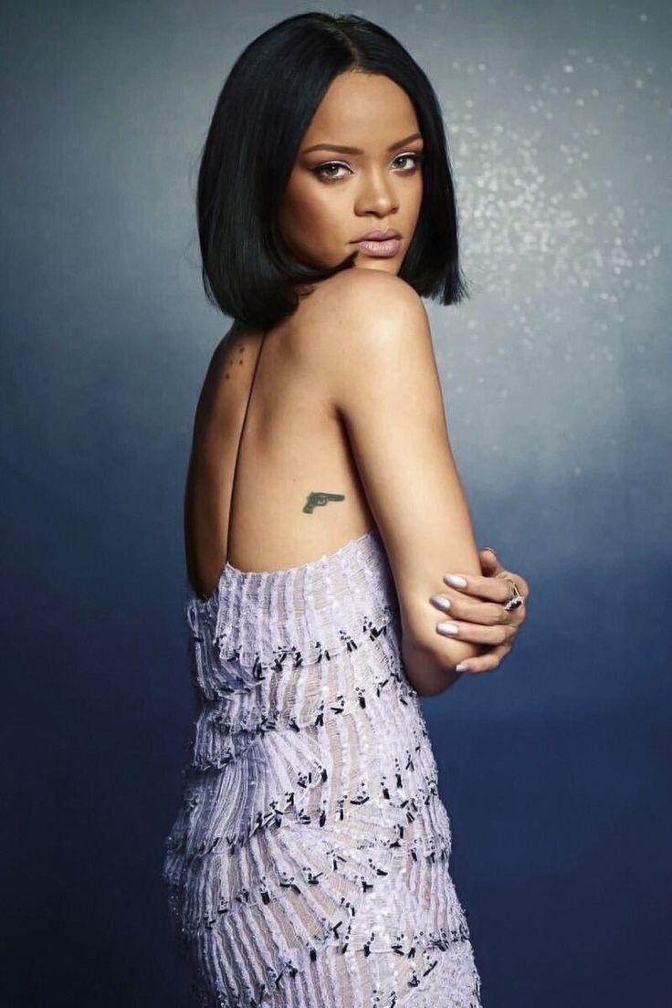 Rihanna @ Brits Award 2016