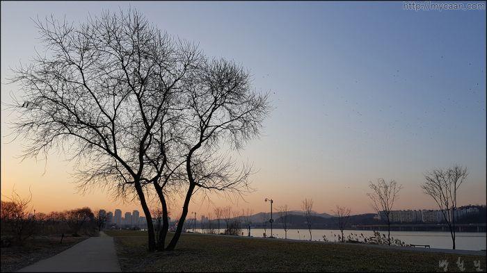 한강여명 漢江黎明 Han-gang Morning carm by Bang, Chulrin