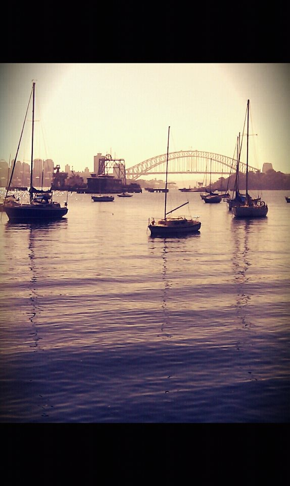 a shot i took from a walk in Balmain, Sydney.... it's a great place to live! :)