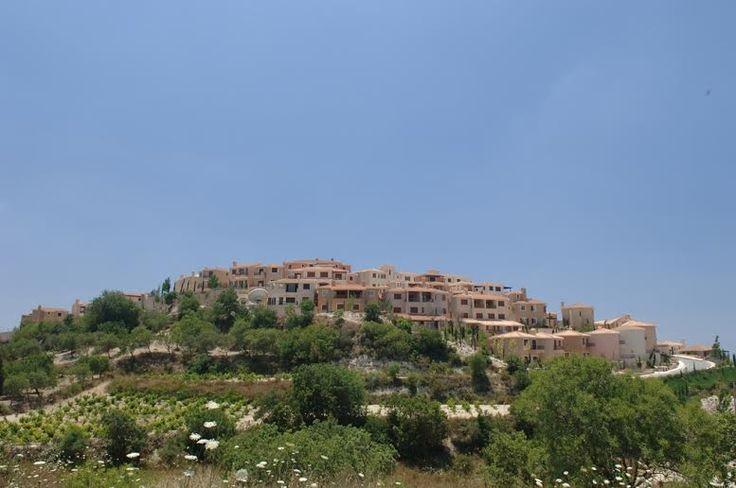 ViklaVillage расположена на вершине холмов Тсады с неповторимыми видами на Средиземноморье и поля для гольфа. Клубный проект Викла состоит из 2, 3 и 4-спальных вилл с…