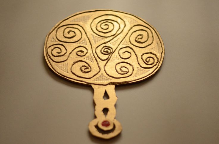 Make a Celtic Mirror:: make an Iron Age mirror from cardboard and string with this fun craft for kids.