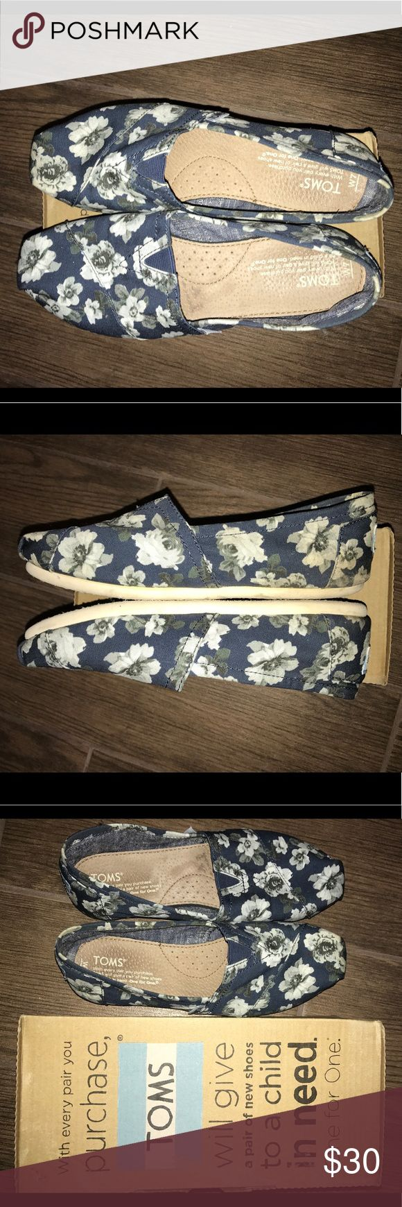 Floral TOMS Women's size 7, like new! Dark Navy floral pattern with white and grey flowers. Very minimal wear can be seen on inside and bottom of shoe. Theses shoes run slim but true to size 7. They will cone with original box (see in photos). $54.00 full price, pattern no longer available Toms Shoes Flats & Loafers