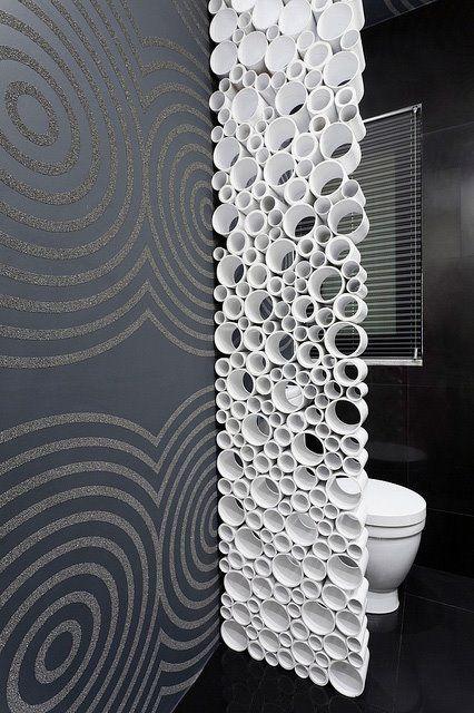 Un mur en rouleaux de papier toilette!