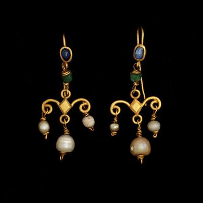 Pair of gold earrings set with sapphires and hung with emeralds and pearls, Europe (Roman), 1st-4th century.