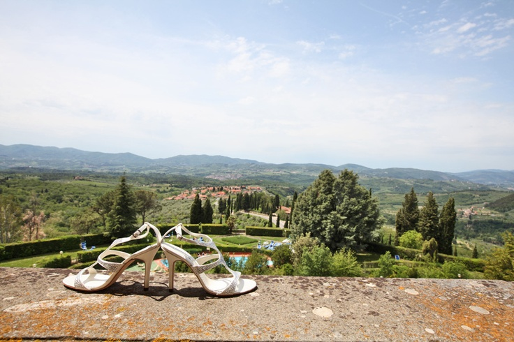 Shoes and wedding in Tuscany