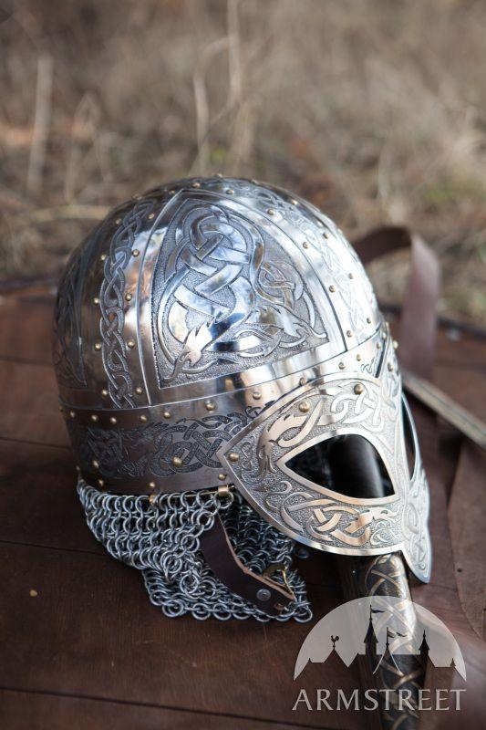 Casque de combat viking en acier inoxydable gravé                                                                                                                                                                                 Plus