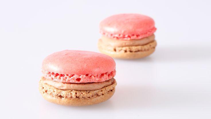 Frische Maracuja-Macarons kaufen kaufen. Handgemacht und von bester Qualität. Einfach bestellt und schnell versandt! #macarons #macaron