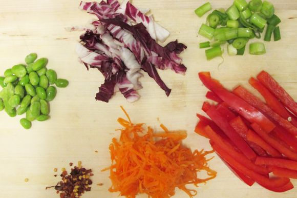 Post image for Recipe: Udon Noodles And Raw Veggies