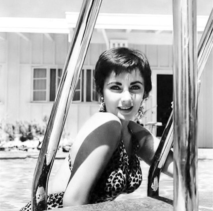 elizabeth-taylor-swimsuit-hot-girl-in-thigh-high-stockings-fucked-gif