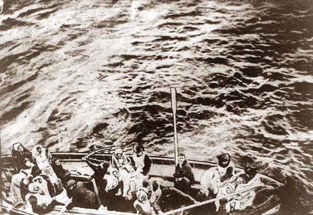 Actual photo of Titanic survivors. Amazing Old Photographs