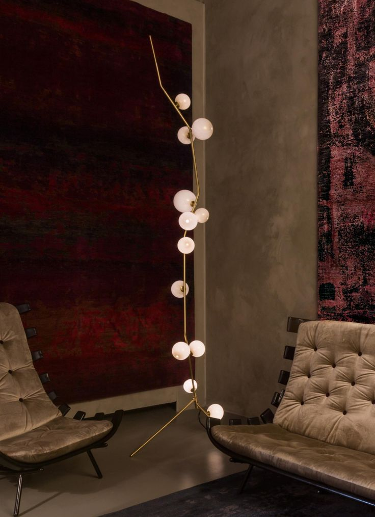 LINDSEY ADELMAN, Cherry Bomb, floor lamp (2015). Material brushed brass, blown glass covered with 24k golden foils. Costela lounge chairs by Martin Eisler and Carlo Hauner (Brazil, 1955). / Nilufar