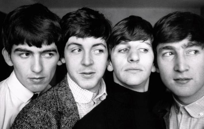 Ливерпуль встретит мюзикл Let It Be в честь 75-летия Джона Леннона #ДжонЛеннон #TheBeatles #Ливерпуль #Великобритания #Битлз #мюзикл #LetItBe #шоу