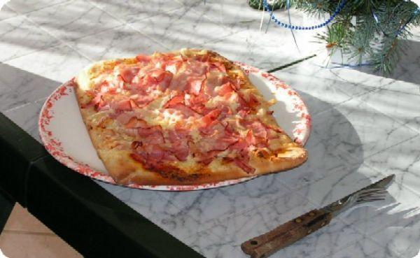 Pizza z pizzerie v Severní Itálii