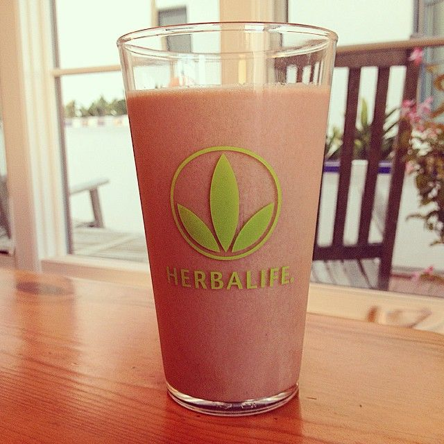 Frozen Mexican Hot Chocolate Shake! My absolute favorite!! Blend 1 scoop Herbalife Formula 1 Dutch Chocolate mix, 1 scoop Herbalife Formula 1 Dulce De Leche mix, 1 scoop chocolate Herbalife Protein Drink Mix, crushed ice, and a dash of cinnamon. www.goherbalife.com/cvitanovich