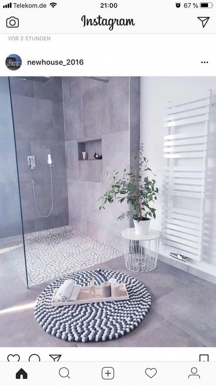 Bathroom Trends 2019 Minimalism Greybathroom Bathroom Trends Small Tile Shower Remodeling Trends