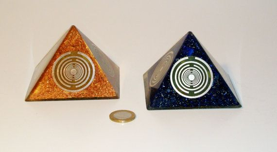 Orgone orgonite® medium pyramid, quintuple, fivefold power with 5 gold-plated (24K) MWO by Lakhovsky, Golden Ratio Antenna, EMF Protection