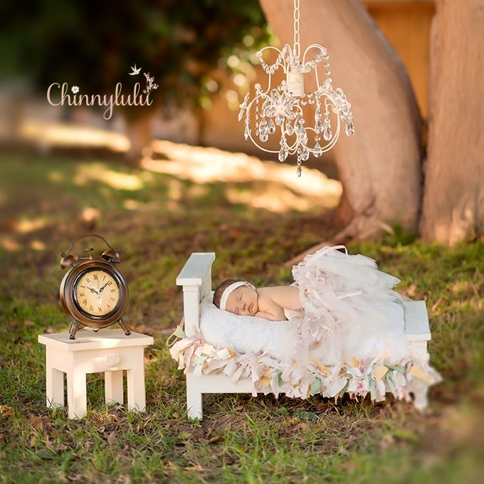 chinnylulu, newborn photography, chandelier