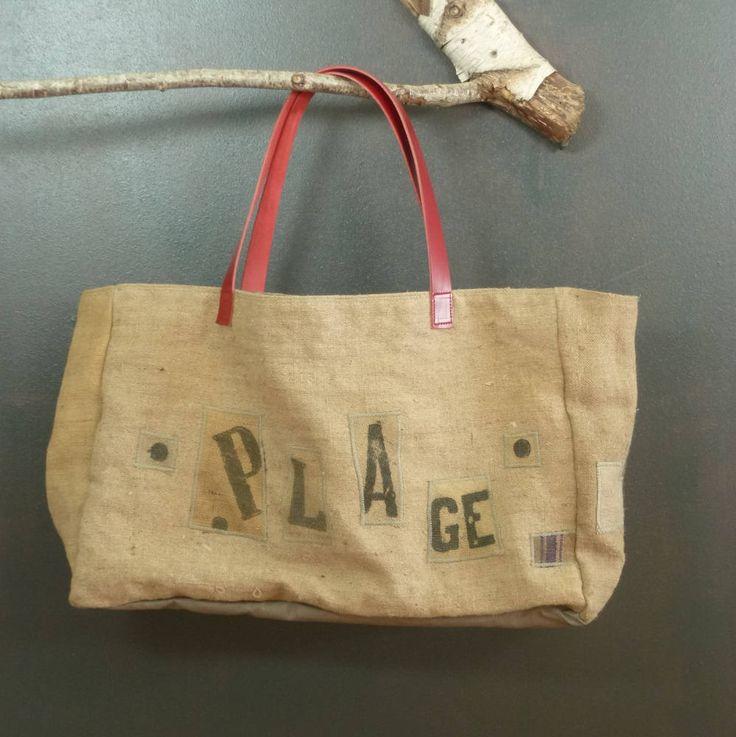 Sac de plage XXL en toile de jute ancienne (sacs à grains recyclés et transformés) forme cabas ou panier de la boutique MADEinPERCHE sur Etsy
