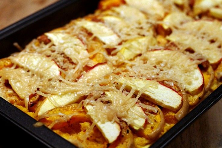 Culy Homemade: pompoenlasagne met appeltjes, amandelen & Parmezaanse kaas - Culy.nl