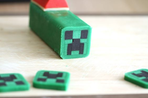 How to Make Christmas Minecraft Creeper Cookies: