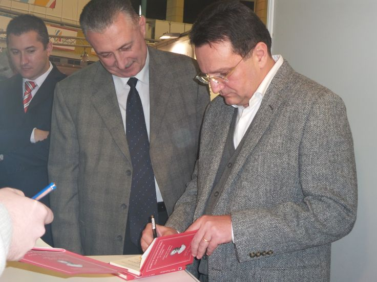Directorul SRI la Târgul de Carte Gaudeamus