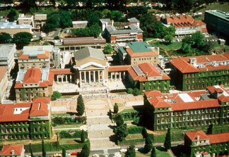 #Uct - #DIggIt - South Africa blessed to have stunning facilities to study at.