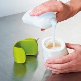 Dávkovač tekutého mýdla ovládaný jednou rukou JOSEPH JOSEPH C-pump ™ zelený