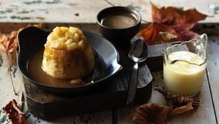 Toffee apple sponge pudding