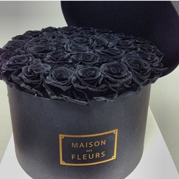 Black roses box. #decor #dark #flowers