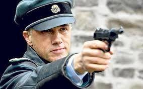 """Cristoph Waltz como el Coronel Hans Landa en """"Bastardos sin gloria"""" (2009)"""