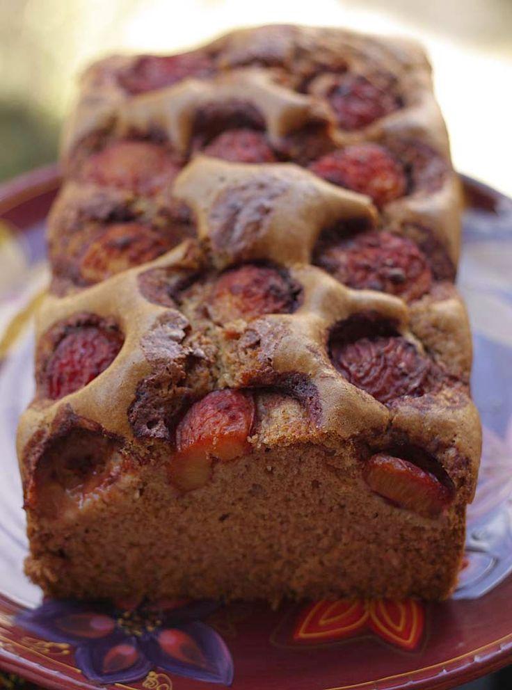 A2K - A Seasonal Veg Table: Vegan Cinnamon Plum Cake #FourSeasonsFood #GettingFruity