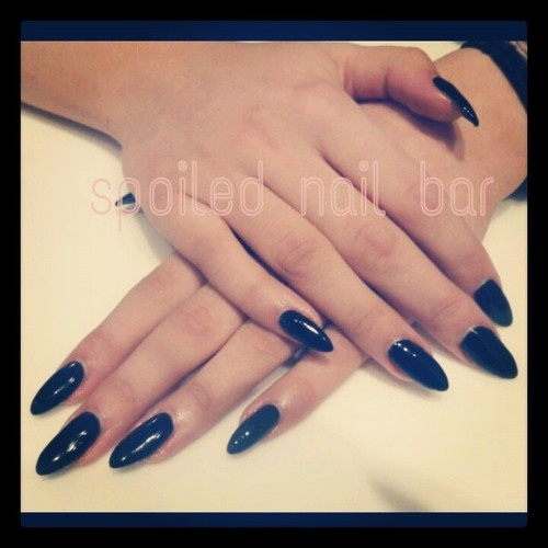Fancy black stiletto tips