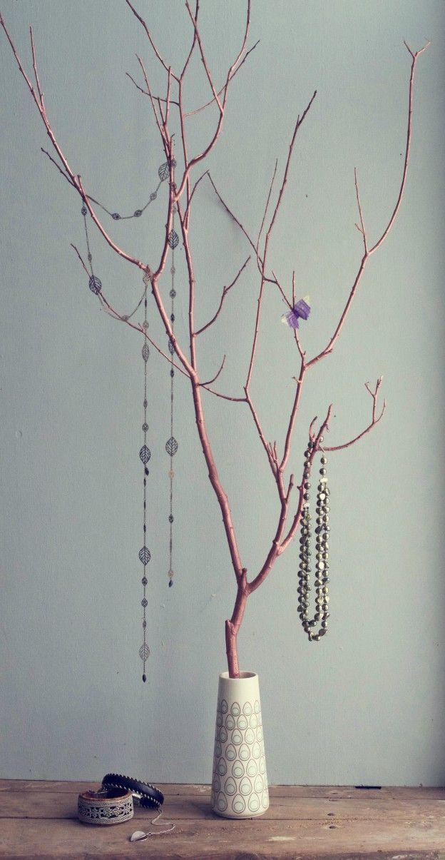 Kopparfärgat Smyckesträd av HungryHeart.se