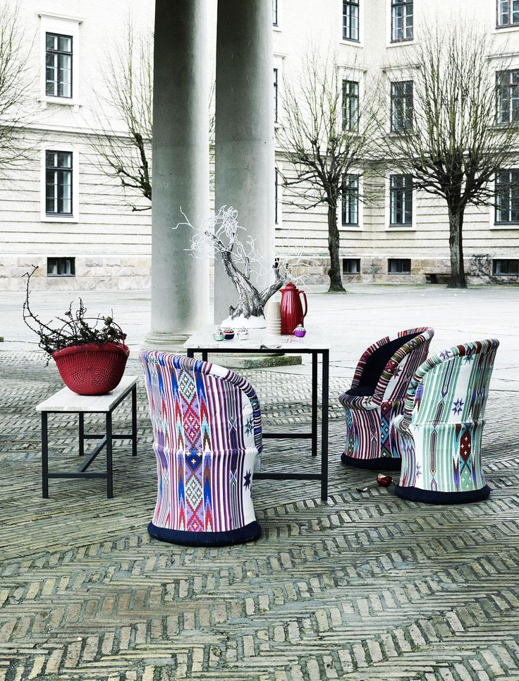 Vibrant Scuttle Chair