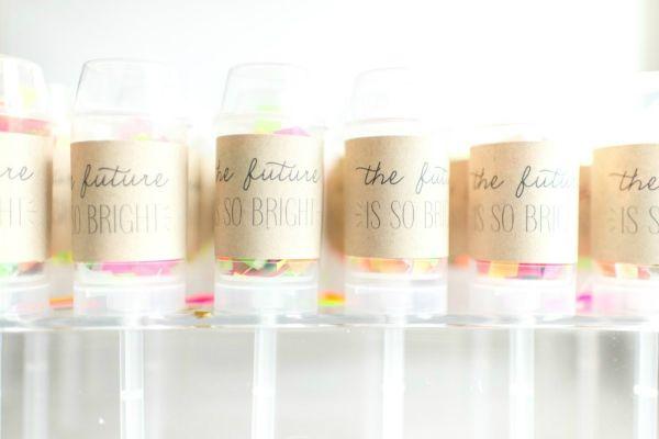 DIY de lança confetes publicado no blog de casamento Colher de Chá Noivas