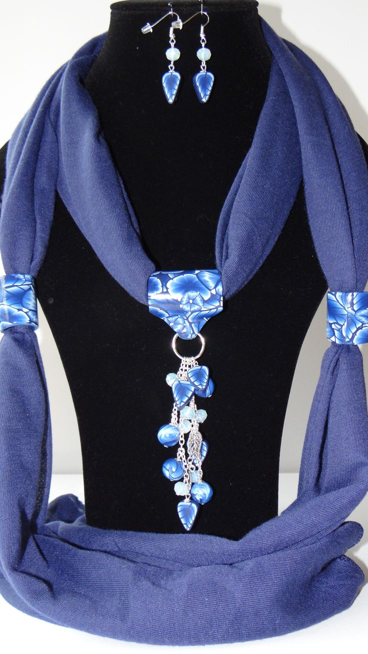 Mooie sjaal sieraden met oorbellen.