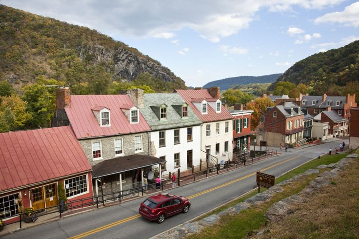 30 Small Towns You Should Visit This Summer  - CountryLiving.com