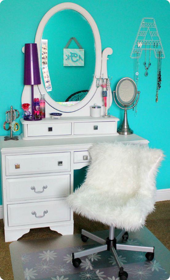 DIY Faux Fur Chair for girls desks. http://freshideastudio.com/diy-projects-gallery/tutorials/pbteen-inspired-hack-tutorial-in-8-easy-steps/