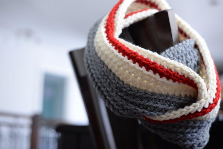 Foulard Infinity Style bas de laine par CreationTricotFolies