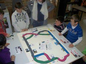 Atelier création de jeux de société à l'espace jeunes de Peillac