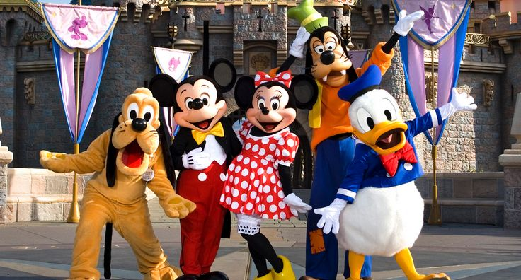 Disneyland Park Sleeping Beauty Castle Fab Five Disney Characters Summer Vacation