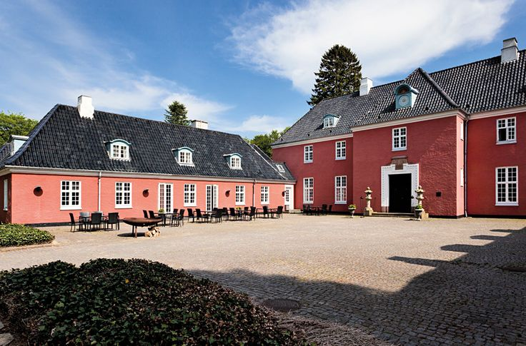 SINATUR - Six spectacular hotels in beautiful locations around Denmark    www.motorbikeeurope.com/en/sinatur-hotels-denmark