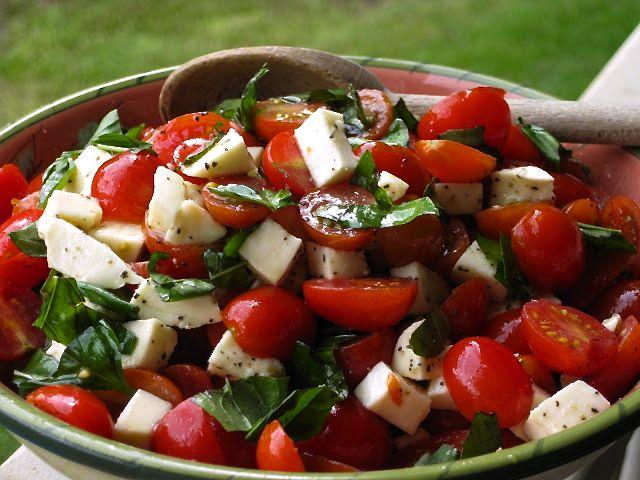 Caprese Salad with Grape Tomatoes, Mozzarella & Basil | la bella vita cucina